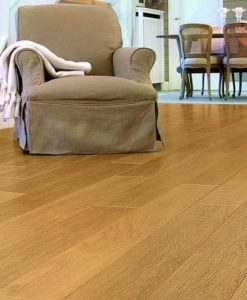 Quick-Step Perspective Natural Varnished Oak Laminate Flooring uf896