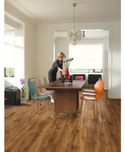 Quick-Step Perspective Wide Reclaimed Chestnut Antique Laminate Flooring ulw1543