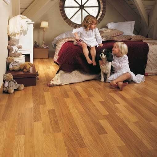 Quick Step Classic Enhanced Oak Natural Varnished 3 Strip Laminate