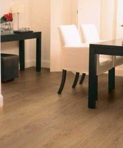 Quick-Step Classic Natural Varnished Oak Laminate Flooring