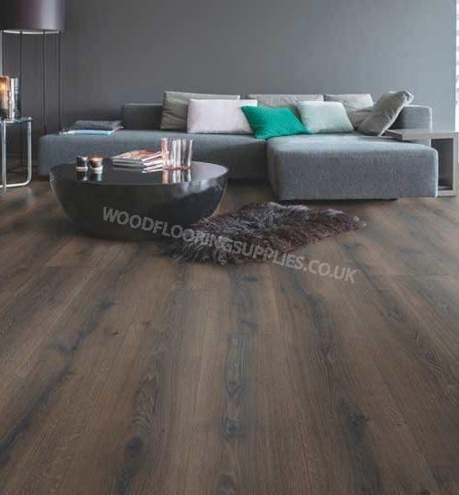 Quick step majestic desert oak brushed dark brown laminate for Oak laminate flooring
