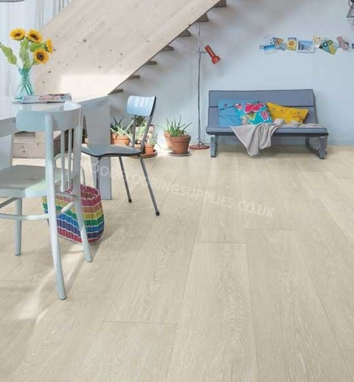 Quick step majestic valley oak light beige laminate for Oak laminate flooring