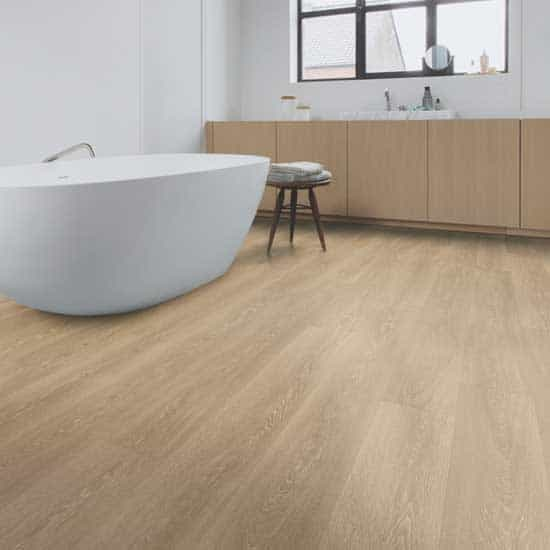 Quick-Step Majestic Valley Oak Light Brown Laminate Flooring MJ3555