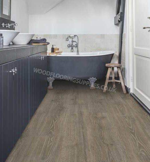 Quick step majestic woodland oak brown laminate flooring for Oak laminate flooring