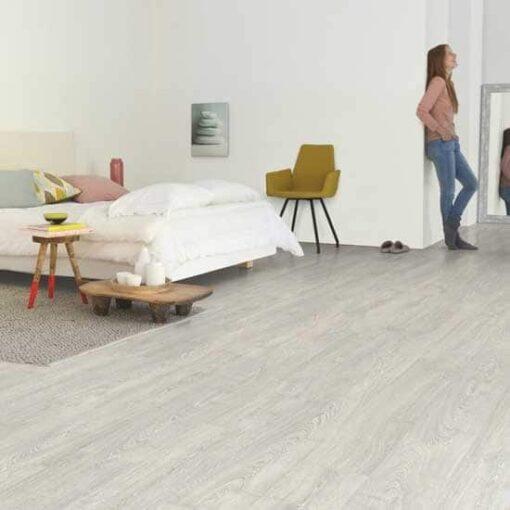 Quick-Step Impressive Ultra Patina Classic Oak Grey Laminate Flooring