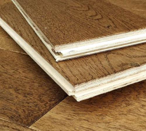 18mm Golden Handscraped Engineered Oak Flooring Matt Lacquered 125mm Wide