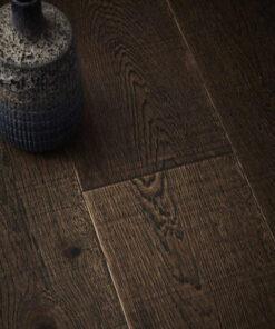 Contemporary Click Engineered Vagar Oak Flooring Brushed & Saw Cut